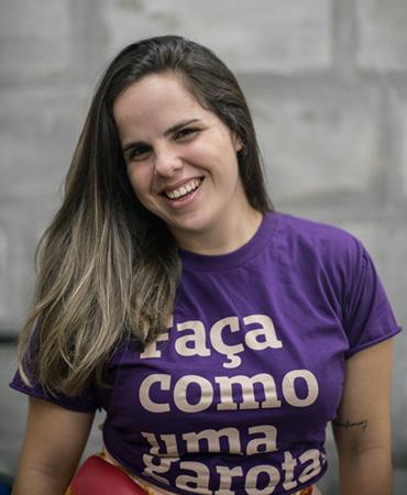 Júlia Meira